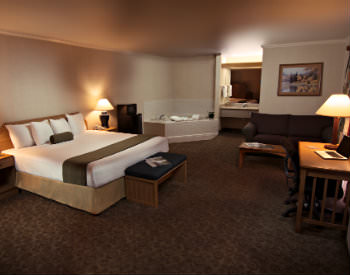 The Redwood King Suite